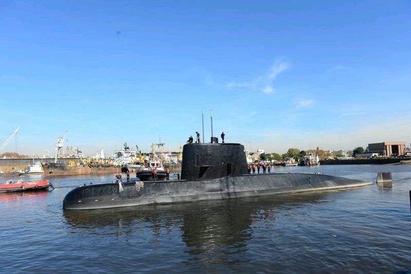 SOUS-MARIN DISPARU | Des appels ont été émis samedi depuis le sous-marin argentin ARA San Juan, introuvable depuis mercredi. https://t.co/6A1Kg1NyhK