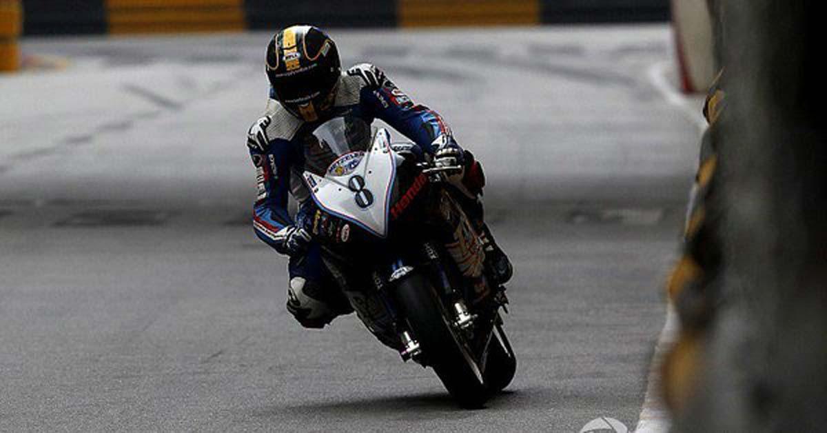 VÍDEO: Acidente fatal na Motovelocidade durante o GP de Macau https://t.co/48oqvXWV46