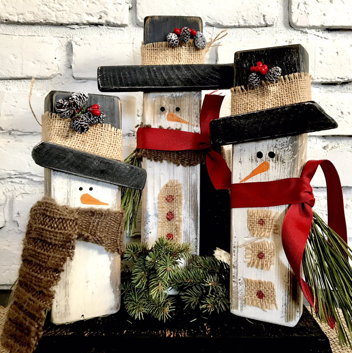 So far I&#39;ve found about 20 different ways to make rustic snowmen! Working on another 20  https://www. etsy.com/listing/573216 291/wooden-snowman-decorwood?ref=shop_home_active_2 &nbsp; …  #SnowMan #Christmas2017 #Christmasgifts #etsygifts #giftsforher #handmade #homedecor #shopsmall  #mylife #countrylife #home <br>http://pic.twitter.com/xC1zOhmioa