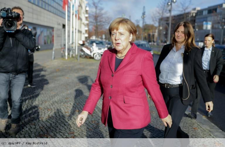 Allemagne: Merkel joue son va-tout pour éviter la crise https://t.co/pyW3xoKaMA
