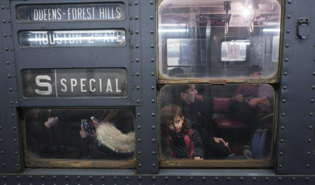 New York vintage subway trains return for holiday season https://t.co/e9Fg8CRYuP
