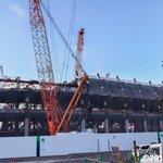 建設中の新国立競技場の横を通り抜ける。今日はチャリ移動。 pic.twitter.com/2rrIg…