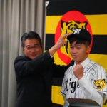 台湾代表左腕の呂彦青(ル・イェンチン)投手(21=国立台湾体育運動大)が入団会見に臨み、「日本の野球…