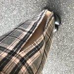 タイトめなスカート。車乗るのに足を開いたら🙃あれっ。あれれ、、😭😂 pic.twitter.com/…