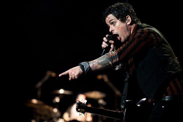 Vai ao show do Green Day nesta terça em Porto Alegre? Confira o serviço completo https://t.co/ZYetHK7xnF