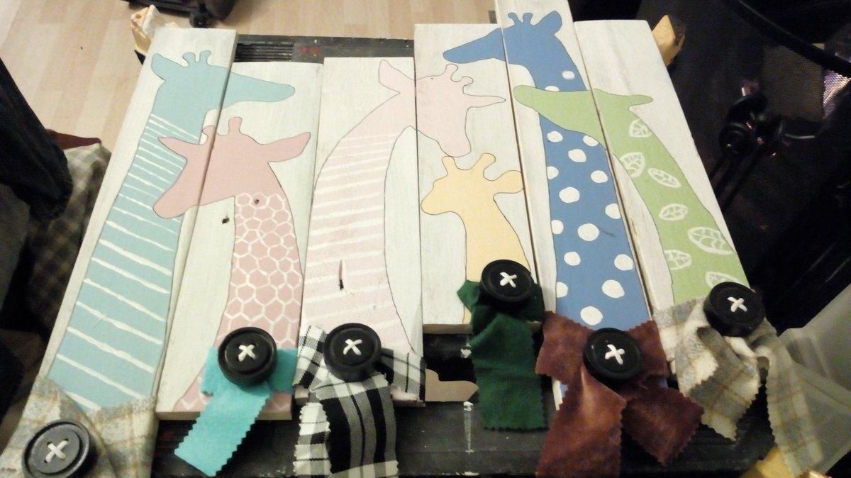 Nearly finished my #scraf wearing #giraffe #coat #rack  #recycled #pallet #wood #royscrafts<br>http://pic.twitter.com/RPrghjk8tK