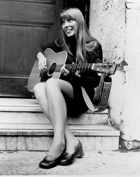 We\re wishing the incredible Joni Mitchell a very happy birthday today!