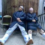 本日も撮影終了。休憩中にて。川栄さんと。休みすぎだろ!! pic.twitter.com/DATQ8…