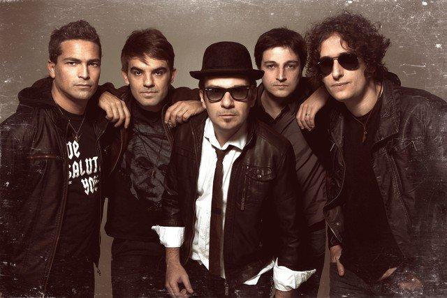 'Espetacular', diz baterista da Vera Loca que já viu turnê do Green Day. Banda gaúcha abre show desta noite https://t.co/ZYetHK7xnF