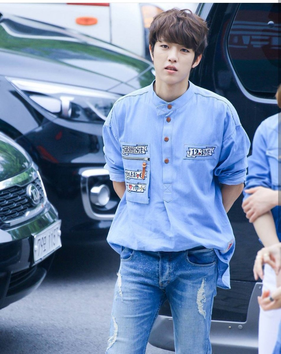 In blue #LeeSungyeol  #SungYeol #INFINITE #Blue<br>http://pic.twitter.com/gJUFwYp47F