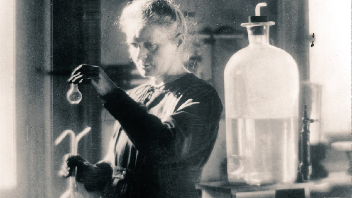 Born #OnThisDay 150 yrs ago, science pioneer & only person to win a Nobel Prize in 2 different fields: #MarieCurie 🔬  https://t.co/0fOxelQoIy