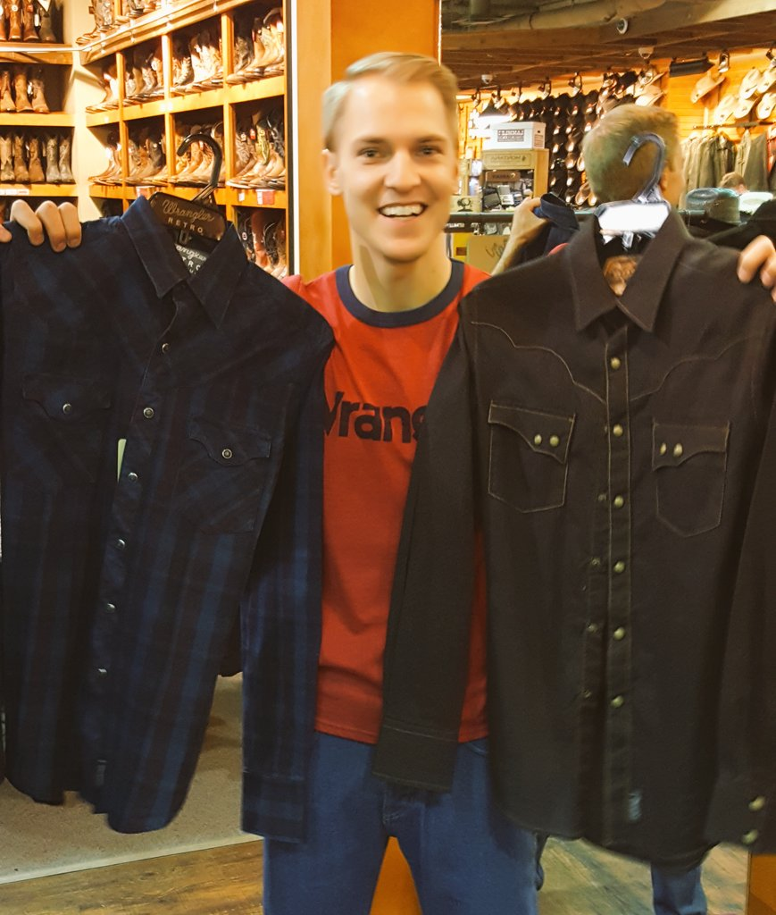 Gettin' all decked out in @Wrangler gear for @cfredmonton and #FarmFair! @840CFCW #CFR44 Thanks to the team at @Lammles