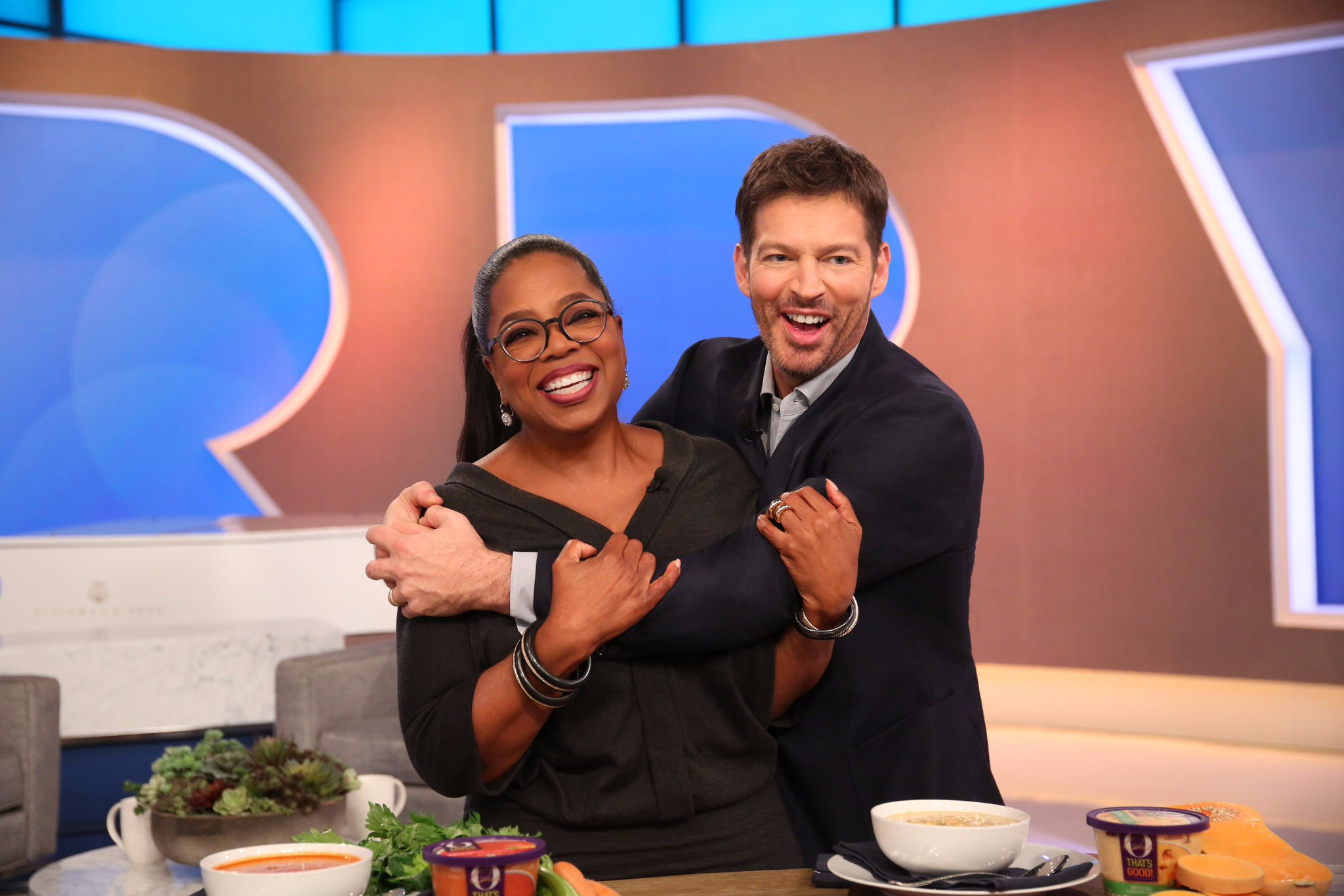 Look at that smile - @HarryConnickJR loved my tomato soup with a twist! #OThatsGood https://t.co/J5u4UNuSY1