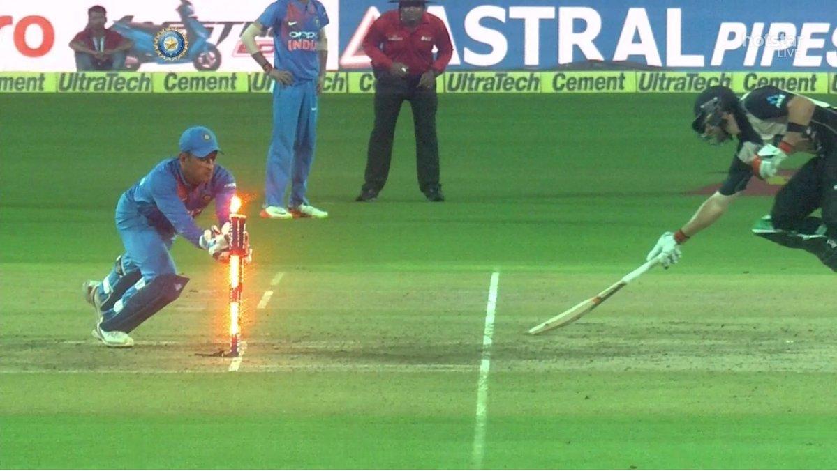 RT @SirJadeja: RT If You Believe MS Dhoni Moves Faster Than Light. 💃🙏🇮🇳  #INDvNZ #IndvsNZ #Indvsnzt20 #Dhoni https://t.co/3BIBhVz780