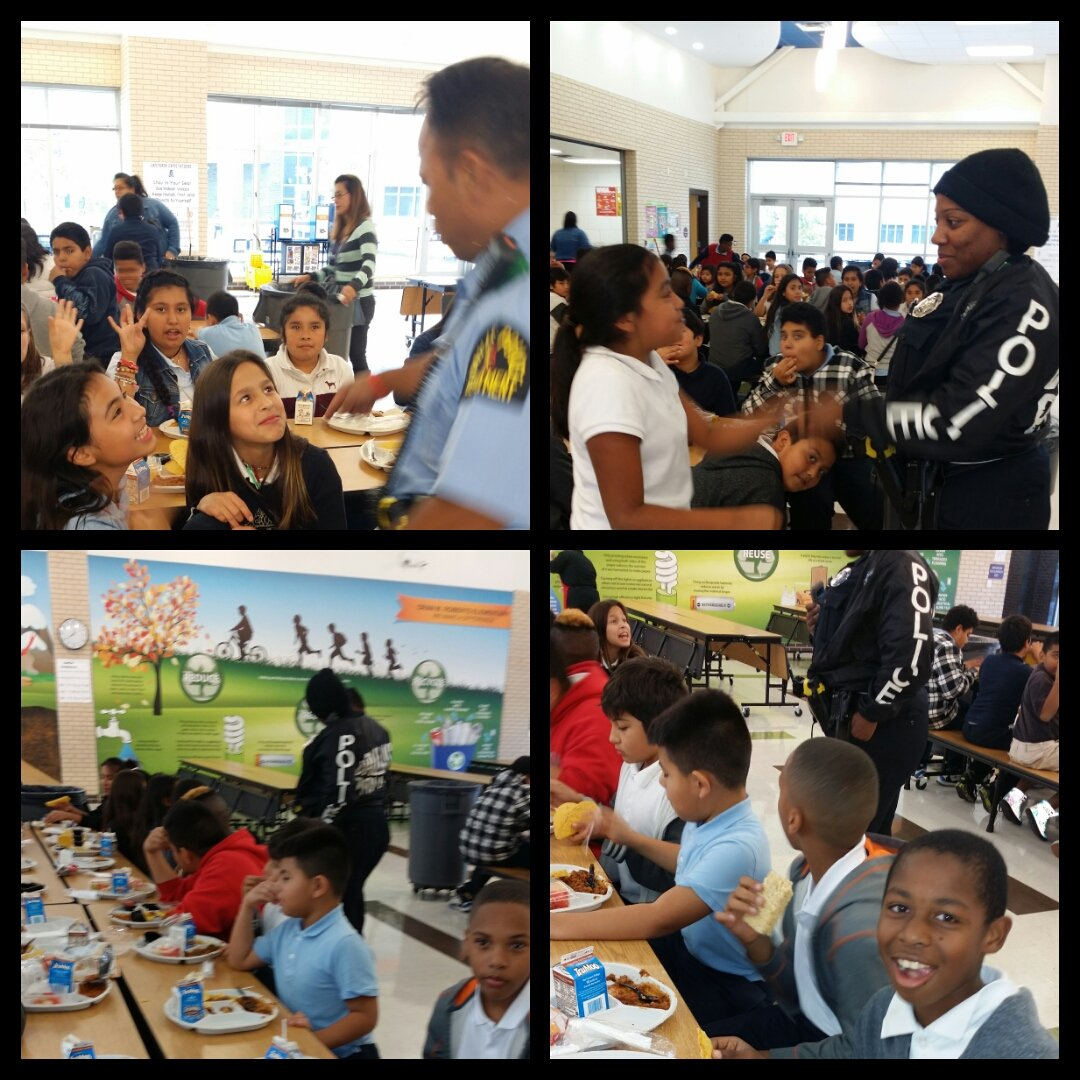 JP Officers #Footpatrol interacting with students during lunch @ O. M. Roberts @DPDAnderson @AShawDPD @JubileePark @bdwilsondpd<br>http://pic.twitter.com/OrkqTWSMBU