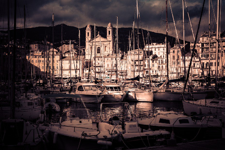 Vieux port de #Bastia captured at diffused evening lights. #corsica #corse #harbour #port #Mediterranean #evening #clouds<br>http://pic.twitter.com/gPDPWaMfvq