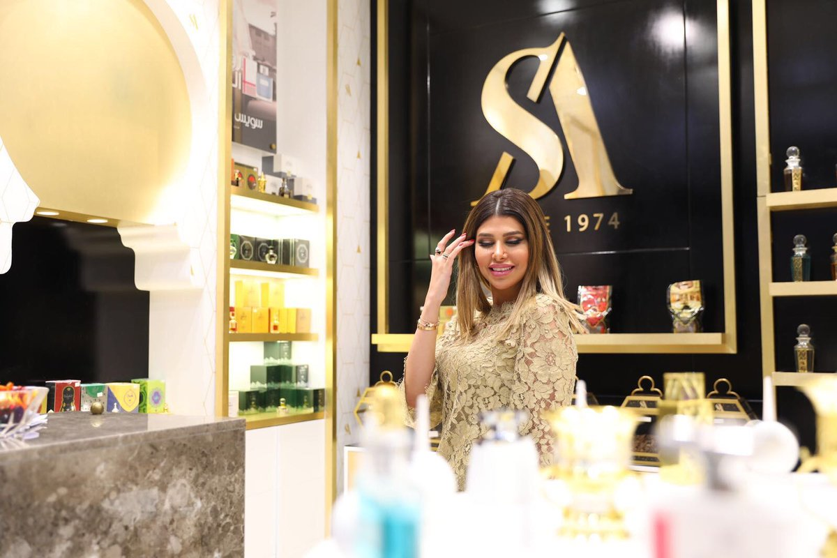 The gorgeous @Lolo_Al_Aslalwi visited the #SwissArabian showroom in Boulevard mall, #Kuwait.  It was great to welcome you Lolo. @BoulevardQ8 https://t.co/oy6seT4cPP