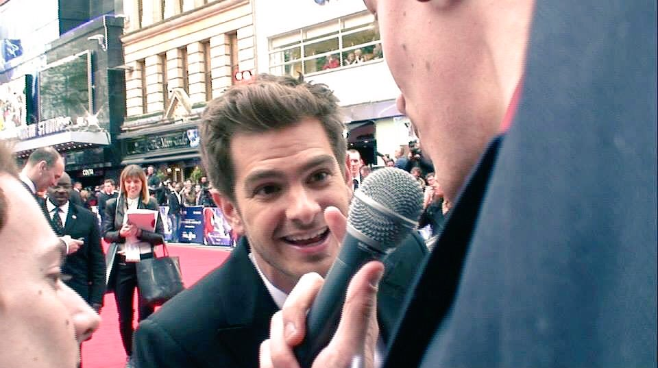 Romantic advice: Find someone who looks at you the way that Andrew Garfield looks at me #lust #AndrewGarfield<br>http://pic.twitter.com/Yc8rrzeku5