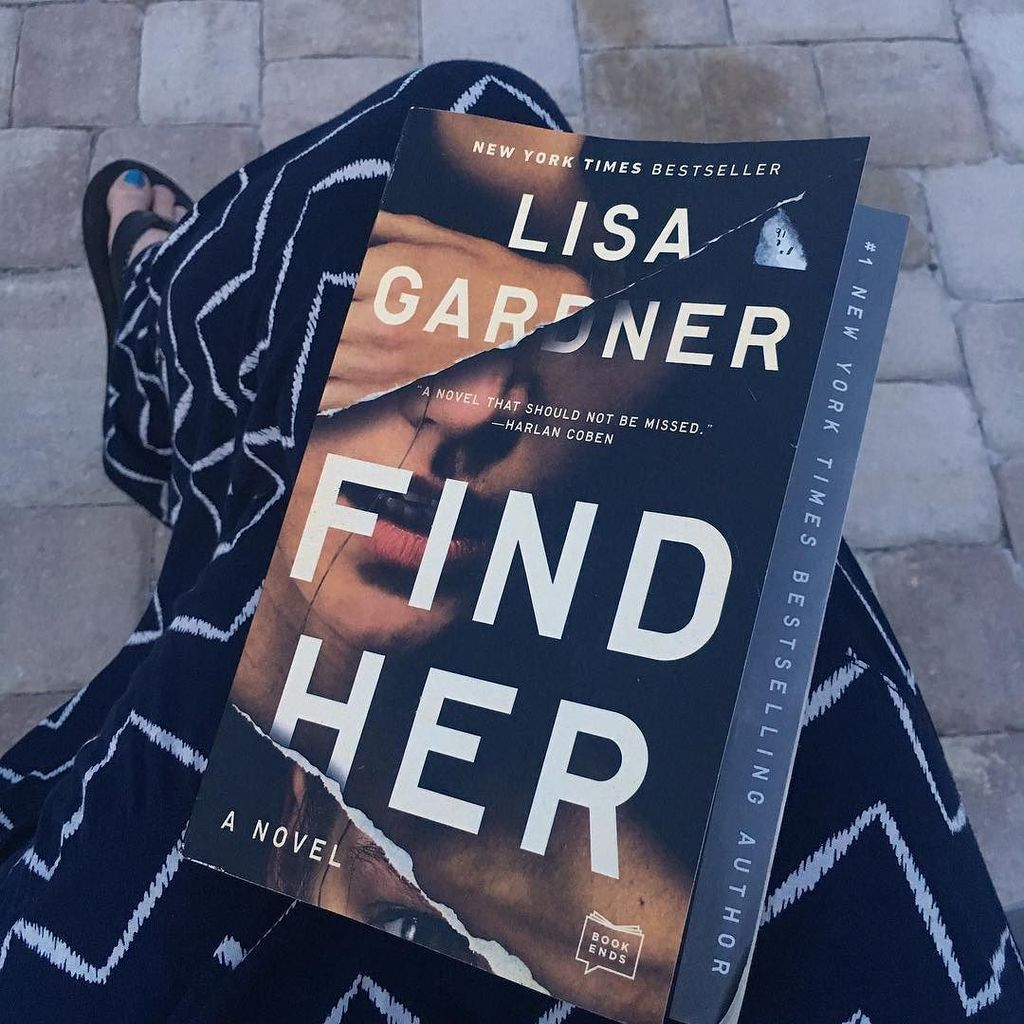 It was summer so I did my favorite kind of summer reading - thrillers (esp ones by women authors). #lisagardner is…  http:// ift.tt/2hbwjej  &nbsp;  <br>http://pic.twitter.com/jEHMdkBE9w