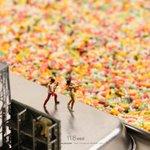 約1万粒規模のコンサート #カラースプレー #チョコスプレー #観客 pic.twitter.com…