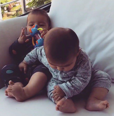 Video: which one is my foot? #video #cute #babies #foot #feet #funny  http://www. watchgags.com/?p=1540  &nbsp;  <br>http://pic.twitter.com/1Y7S9IYzQA
