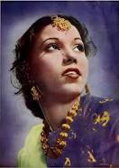 #SitaraDevi an eminent #Indian #dancer of the #classical #Kathak style of dancing. #BirthAnniversary #danseuse #Kolkatta #RabindranathTagore described her as #NrityaSamragini #EmpressOfDance,   @KumariRukshmani @StarFoundn<br>http://pic.twitter.com/Eh0U9KmGmE