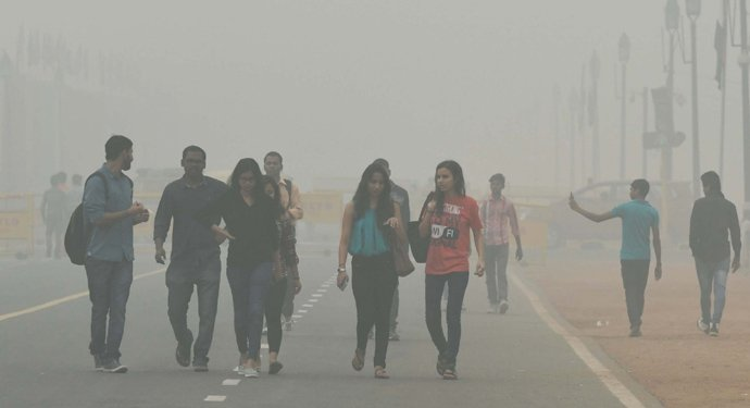 Environmental Crisis in Delhi: Air Quality is worst possible and schools closed till Sunday