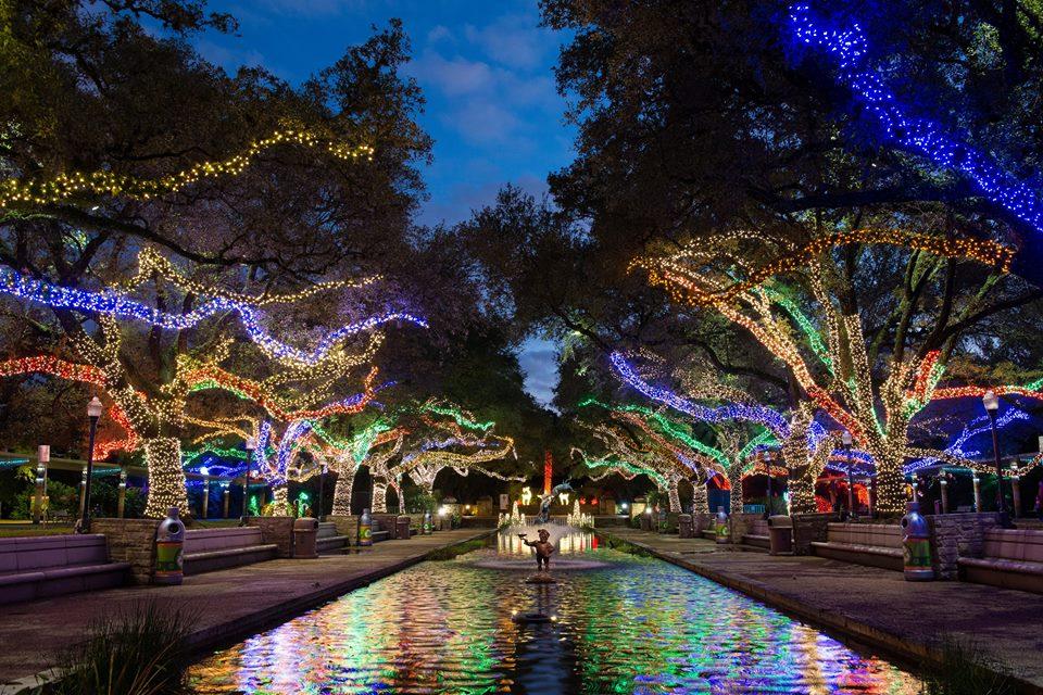Houston Zoo Lights 2017 opens Nov. 18 https://t.co/7eoOAX7kr7