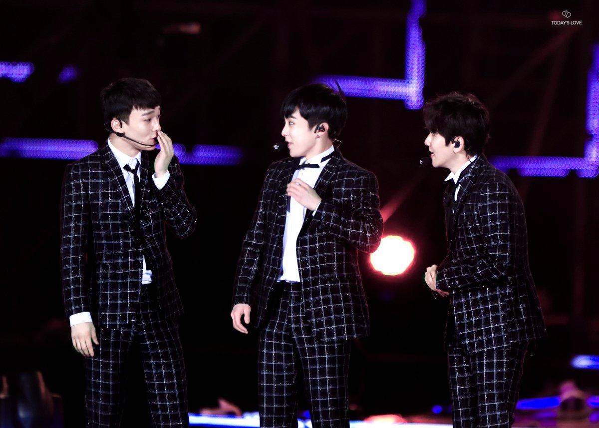[HQ] 171104 #CBX #첸백시 #CHEN #BAEKHYUN #XIUMIN @ Dream Concert in PyeongChang  TODAY_s_LOVE <br>http://pic.twitter.com/KGFhTrB1qz