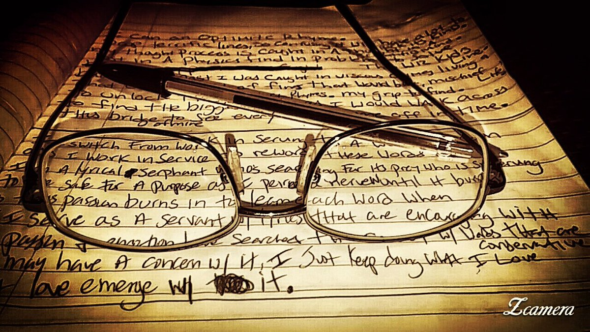 Music and Learning. #music #hiphop #rhymes #learning #Nerd #glasses #notebooks #writtens<br>http://pic.twitter.com/odEIypR2jc