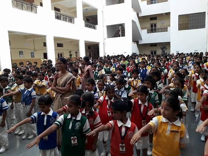 #Swachh_Bharath awareness program today in #Vishwa_Bharathi_School @ #Nizamabad with Hon&#39;ble #Mayor, #Corporators #SwachhSurvekshan<br>http://pic.twitter.com/4wPfC1KZud