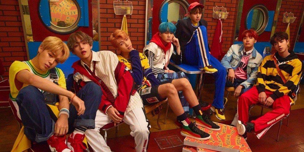 #BTS to hold an outdoor mini-concert on 'Jimmy Kimmel Live' https://t.co/V8sn1UmJFn https://t.co/nZAkJgMk61