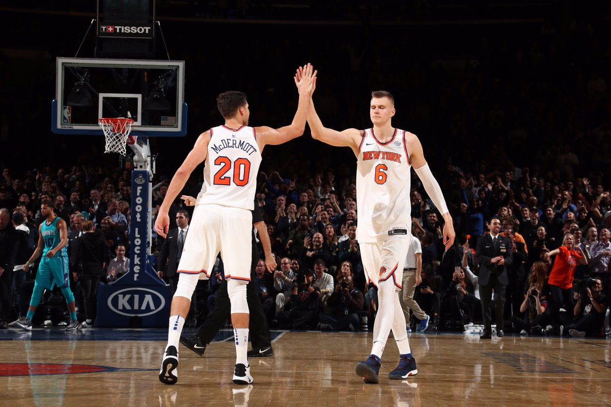 #Knicks have won 2 straight games despite trailing by 10+ after 3 quarters.   Thats the 1st time @nyknicks have done so in shot clock era.