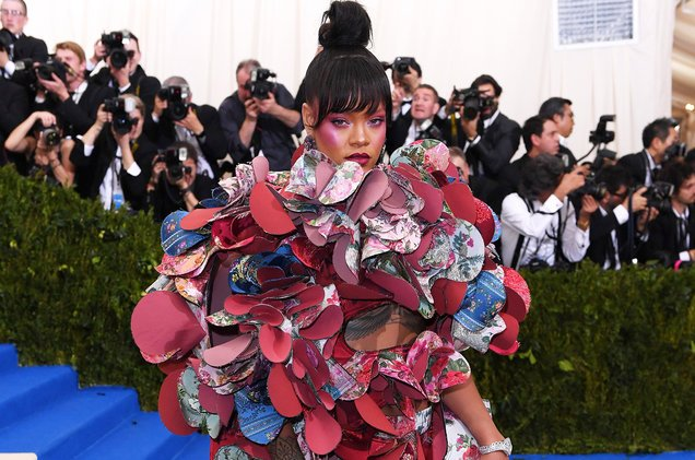 It&#39;s official! Rihanna will be co-hosting this year&#39;s Catholic-themed #MetGala  http:// blbrd.cm/3Z12db  &nbsp;  <br>http://pic.twitter.com/oV9gN65O09