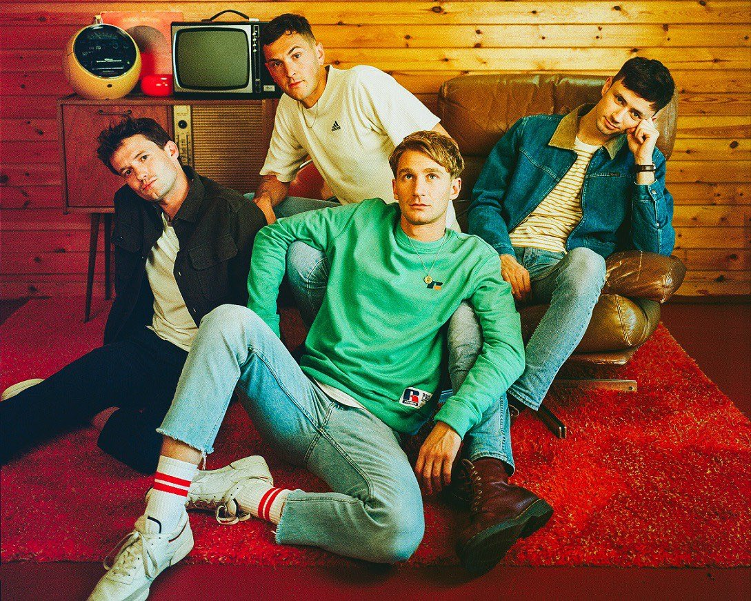 "An utterly overwhelming experience, @GlassAnimals' ""Agnes"" allows us to relive the stinging sensation of loss.  🍍 atwoodmagazine.com/agnes 🍍"
