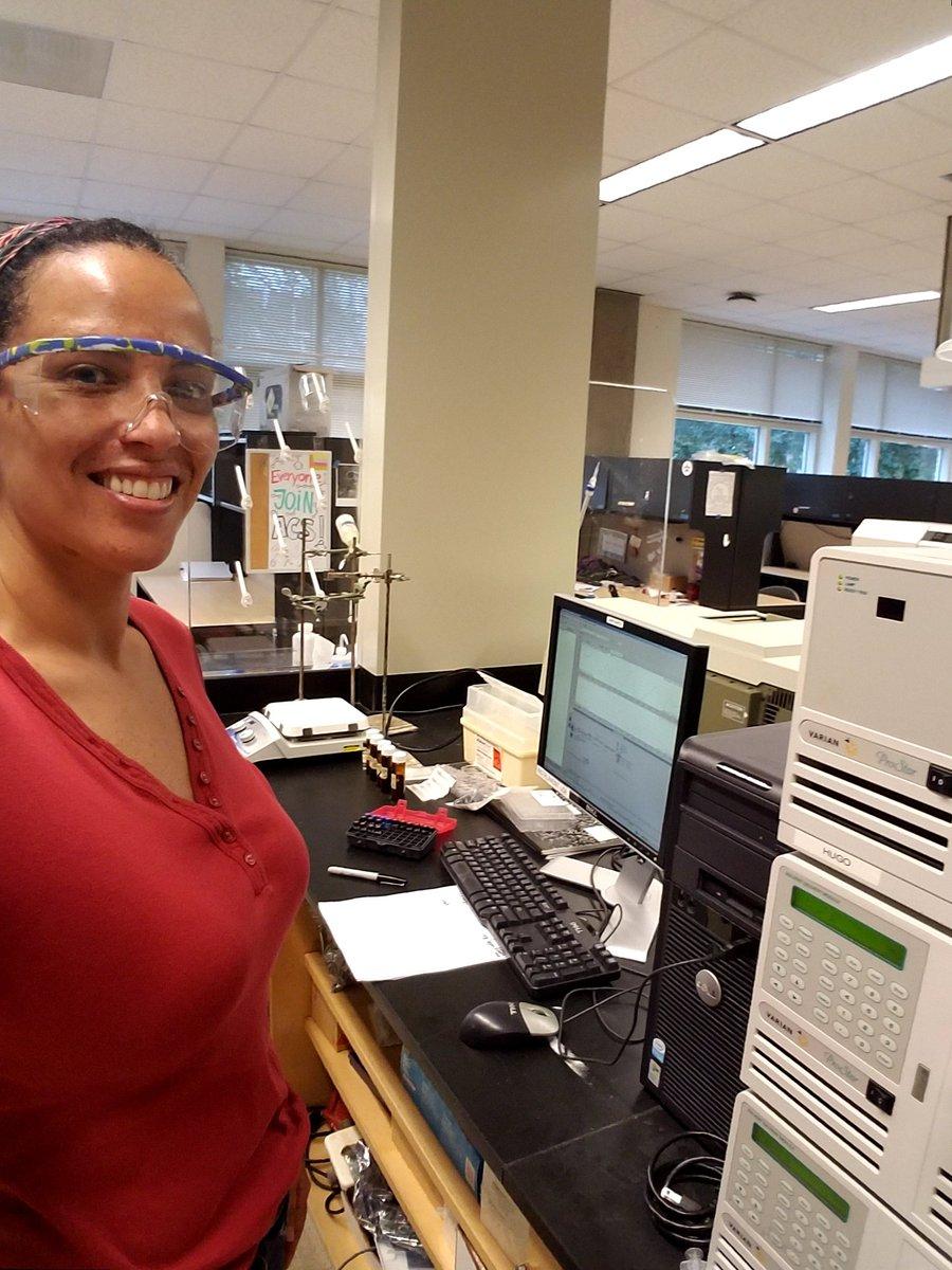 Happy analytical chemist! #RealTimeChem #BLACKandSTEM <br>http://pic.twitter.com/xm1yDocTGM