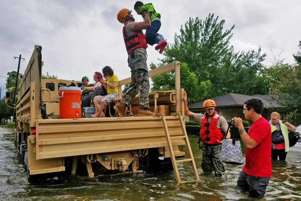 Бонн:   В Бонне обсуждают возможность предоставления статуса беженцев жертвам стихийных бедствий