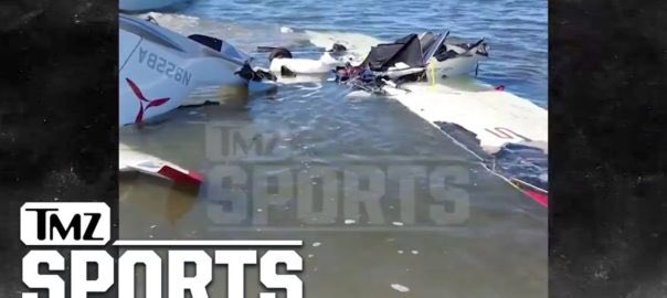 ROY HALLADAY PLANE CRASH VIDEO WITNESSES SAY HE WAS SHOWBOATING  http:// repostqueen.com/roy-halladay-p lane-crash-video-witnesses-say-he-was-showboating/ &nbsp; …  #RepostQueen #planecrash #breakingnews #RoyHalladay<br>http://pic.twitter.com/oKEKlOlYvw