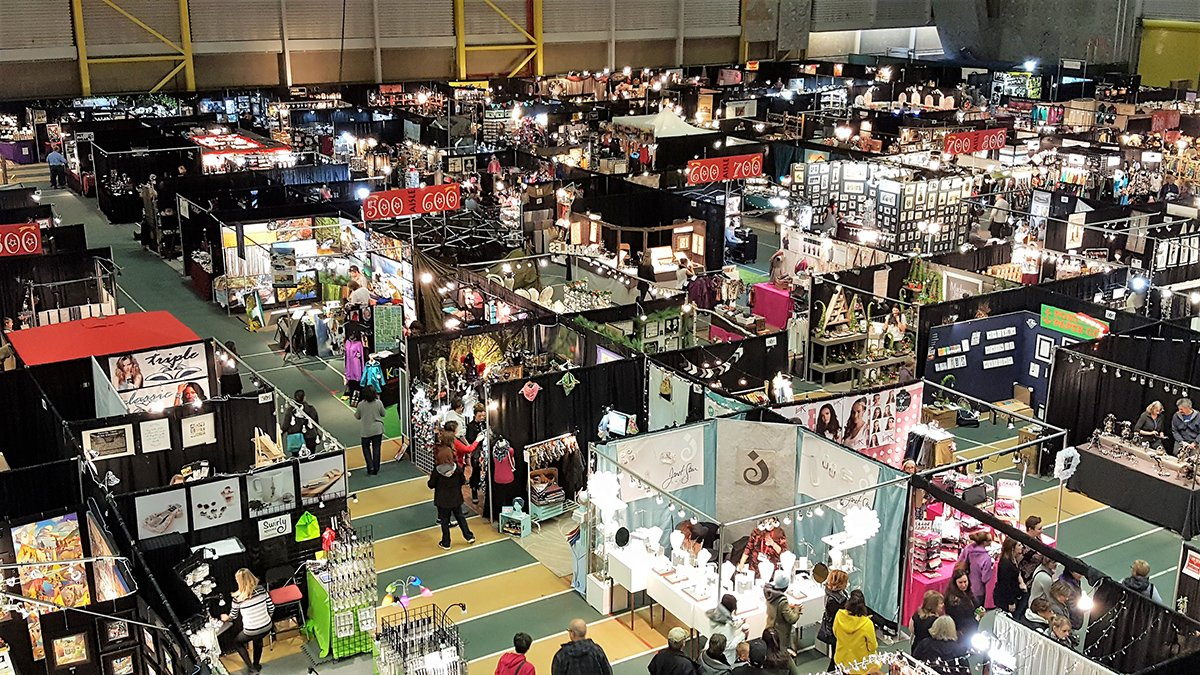 It&#39;s Christmas show season. As a vendor you can draw in more customers by mixing it up! Rather then the standard black table, own the Xmas theme with red or green! It&#39;s the little things that can stand out! #SuperiorEvents #eventprofs #TradeShows #ABevents  http://www. superiorshow.com  &nbsp;  <br>http://pic.twitter.com/XvAuzm6nXL