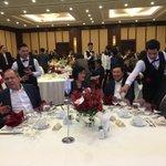 昨晩の夕食会、私のテーブル。左からパプアニューギニアのパト外相、ロシアのラブロフ外相、ベトナムのミン…