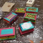 Creating 'Boxes of Hope' at the women's Circle of Support. Newcomer Women: come join us 2:30pm Nov22 & Dec6 @OttawaOCISO LINC 1800 Bank St for fun, support and friendship!
