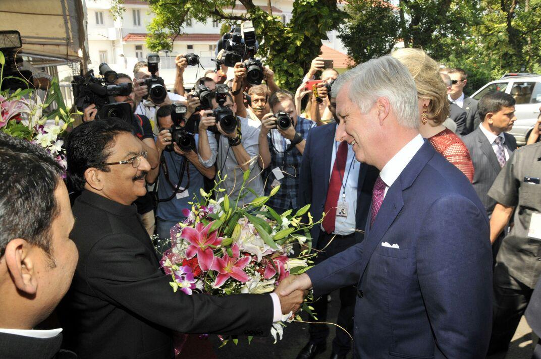 King #Philippe and Queen Mathilde of #Belgium meet Governor of #Maharashtra Ch Vidyasagar Rao<br>http://pic.twitter.com/TxoX60yUYJ