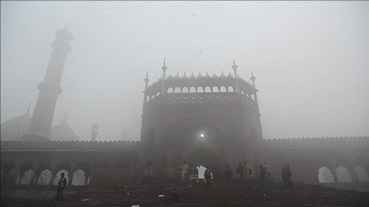 'Pollutant levels were such that it was equivalent to smoking 50 cigarettes a day' according to doctors #DelhiSmog LH