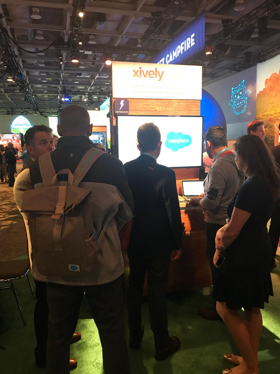 Last day to visit our booth at #DF17! Make sure to stop by the #IoT Grove to talk to an expert and see customers in action https://t.co/Qr53F4vkej