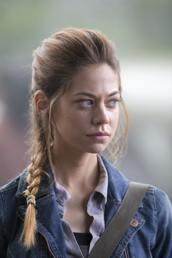 Happy birthday Analeigh Tipton, here in Warm Bodies.