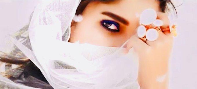 #IraivaLyricVideo here it is🎼🎸.. #Iraiva Super Special lyrical Video from #Velaikkaran 🎶 https://t.co/kPTvtXhTd1 https://t.co/J3fCKTH7ET