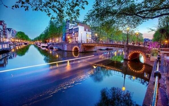 Los hermosos canales de Holanda. https:/...