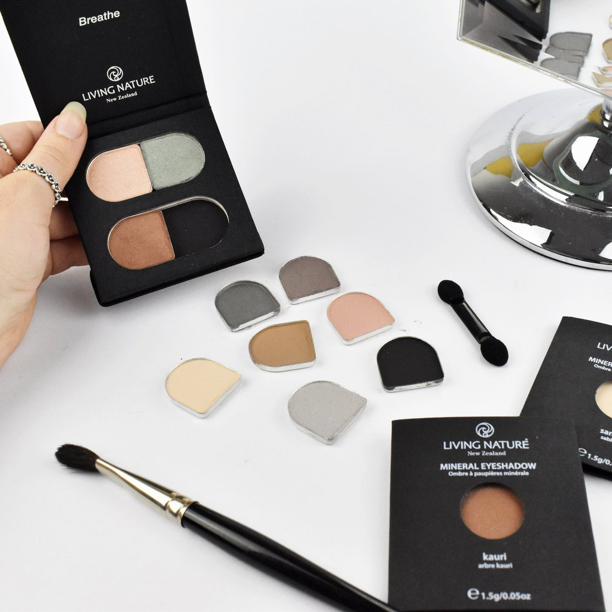 Customise Your Own Eyeshadow Palette