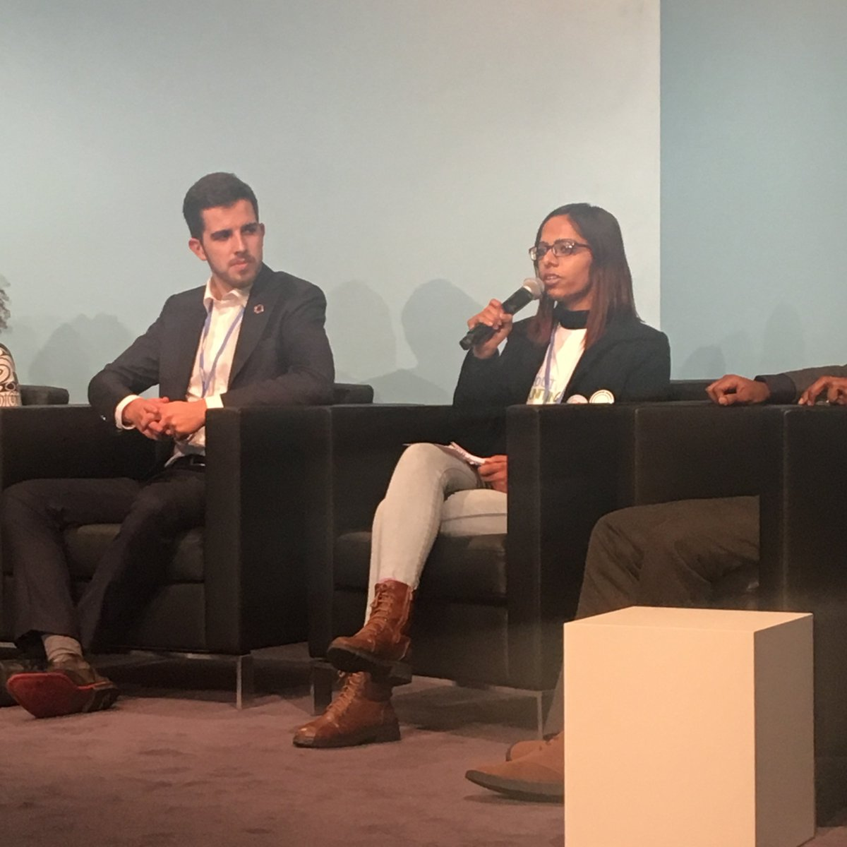 .@slhufa Pramyisha, global south scholar attended the Youth Ag Summit 2017 in Brussels this year with young innovators from all over the world sharing their stories and techniques to fight climate change #COP23climates #COP23 @CliMates @IYCM @ACEducation #YouthDay pic.twitter.com/d103BtNgjV