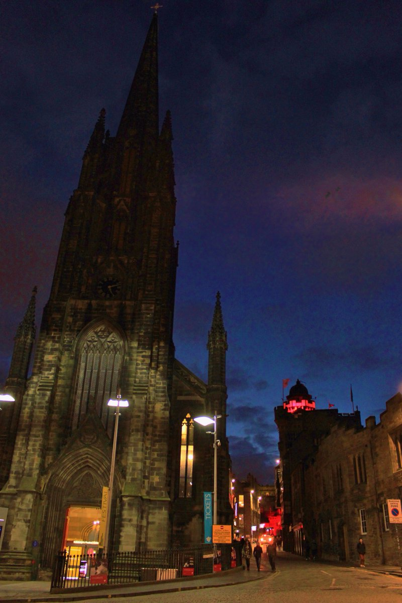 Camera Obscura on Twitter  Along with the @edinburghcastle our tower is lighting up the #Edinburgh skyline red in support of the Poppy Appeal! & Camera Obscura on Twitter: